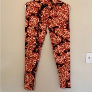 Lularoe TC leggings - roses